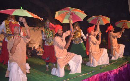 राष्ट्रीय संस्कृति Mahotsav- 2016 के दौरान मादवा पर आउटरीच कार्यक्रम, वाराणसी NZCC द्वारा की झलक