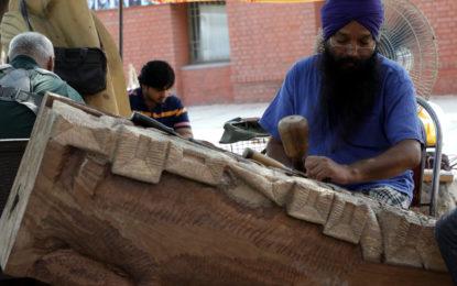 मूर्तिकला शिल्प (लकड़ी) के दौरान मूर्तियां बनाने, एनजेडसीसी द्वारा कलगाम, मणिमराज, चंडीगढ़ में 20 जून से 4 जुलाई 2017 तक आयोजन