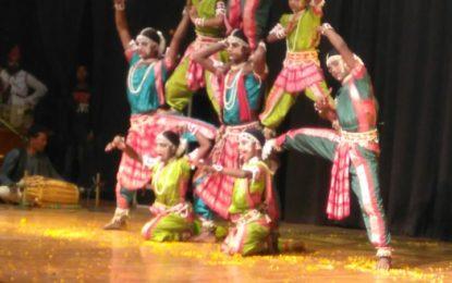 उत्तर क्षेत्र सांस्कृतिक केंद्र पटियाला (संस्कृति मंत्रालय, भारत सरकार) के कलाकारों द्वारा 29/11/2017 को पानीपत में सांस्कृतिक प्रस्तुति