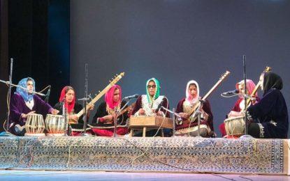 उत्तर क्षेत्र सांस्कृतिक केंद्र, पटियाला (संस्कृति मंत्रालय, भारत सरकार) द्वारा आयोजित 'मेहफिल ई सूफियाना' के समापन दिवस (2 9/04/2018) की जम्मू-कश्मीर कला, संस्कृति और भाषा अकादमी के सहयोग से टैगोर हॉल, श्रीनगर।