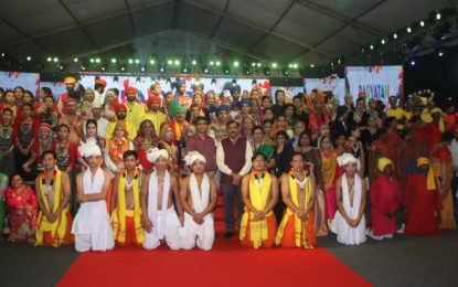 राजपथ लॉन्स, नई दिल्ली में आयोजित पारायत पार्व का समापन समारोह