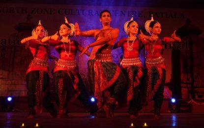कलग्राम, चंडीगढ़ में एनजेडसीसी द्वारा आयोजित राष्ट्रीय शास्त्रीय नृत्य समारोह का दिन -3।